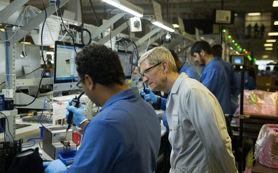 Tim Cook zeigt, dass in Apple Produktionsstätten Windows benutzt wird? 1