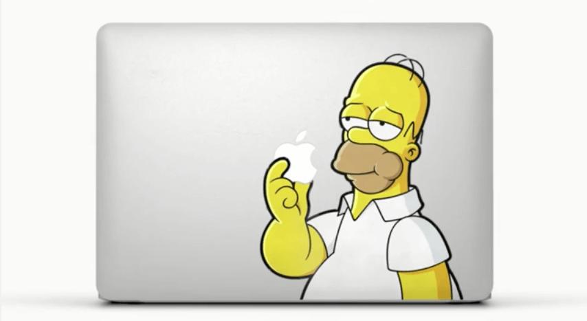 Apple und Homer Simpson auf einem MacBook Air