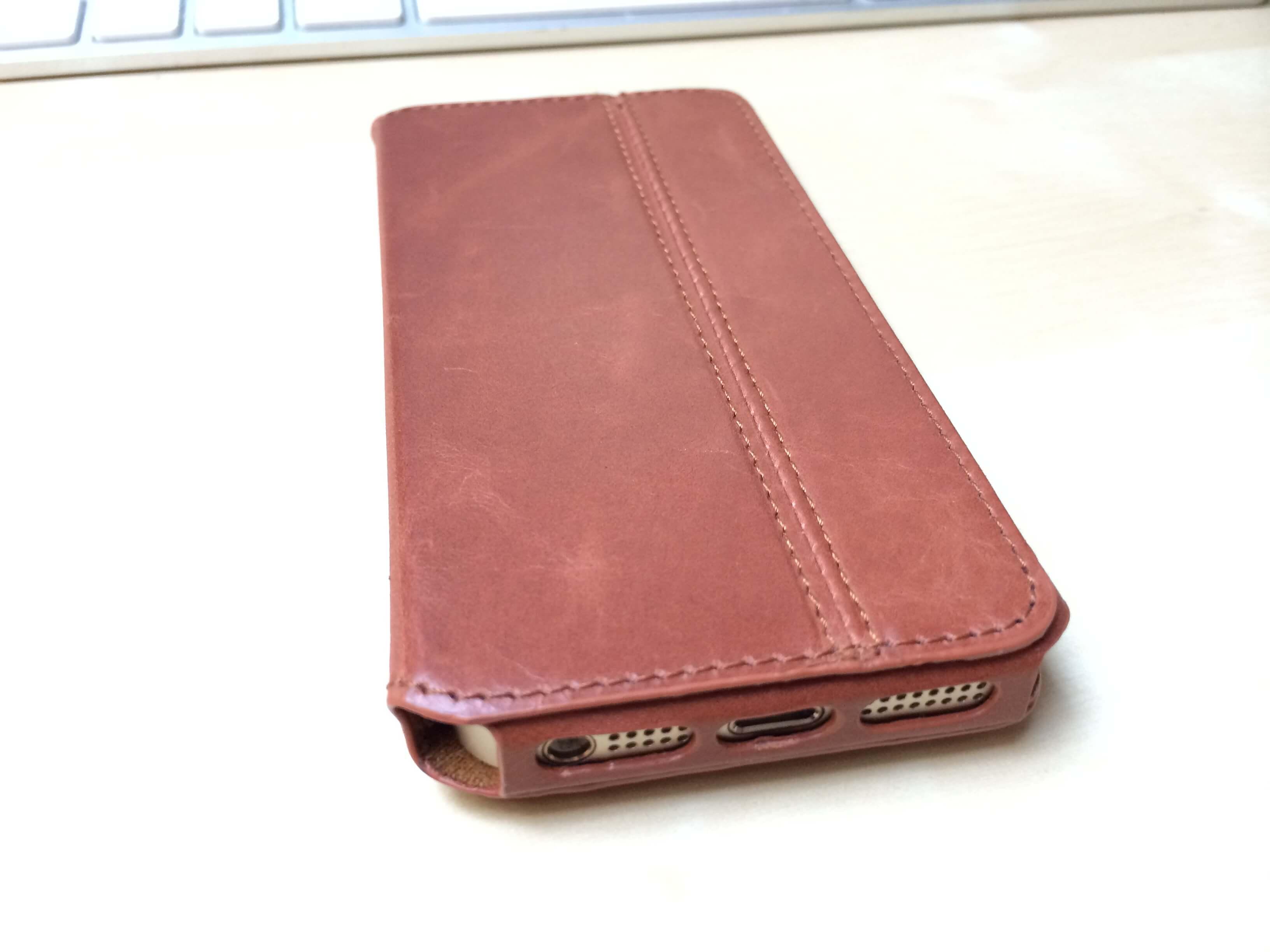 iPhone 5s Tasche Dallas von KAVAJ im Test 4