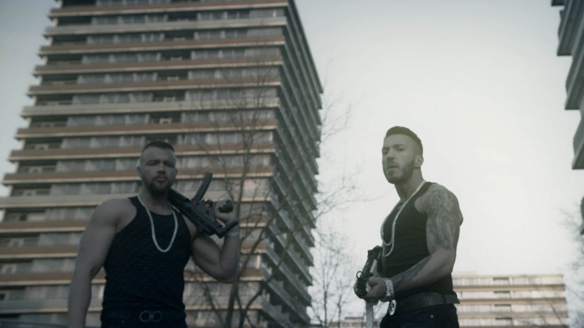 "Musikvideo: Seyed feat. Kollegah - MP5 aus dem Album ""Engel mit der AK"" 1"