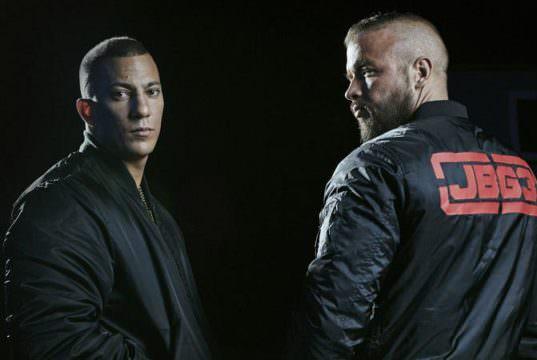 Kollegah & Farid Bang mit JBG 3 Merch (Bild: Denis Ignatov)